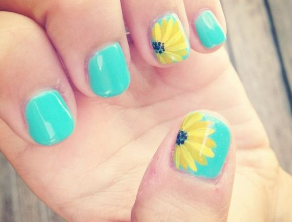 06-sunflower-nail-designs