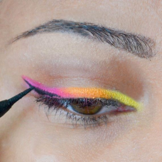 07-Cinco-De-Mayo-Party-Makeup