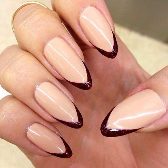 07-French-Tip-Nails