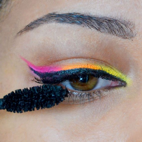 09-Cinco-De-Mayo-Party-Makeup