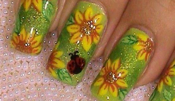 09-sunflower-nail-designs