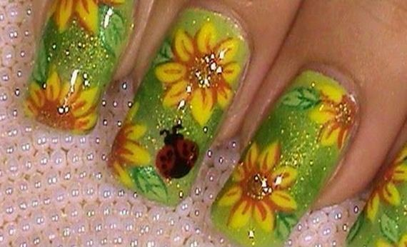 09-sunflower-nail-designs