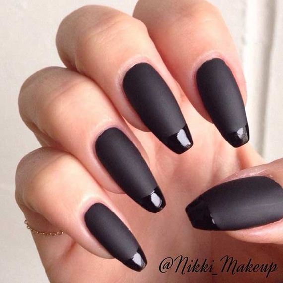 13-French-Tip-Nails