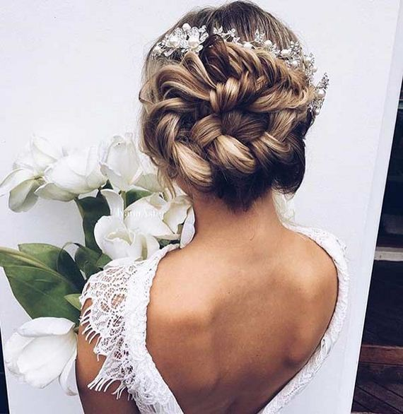 15-Gorgeous-Updos-Bridesmaids