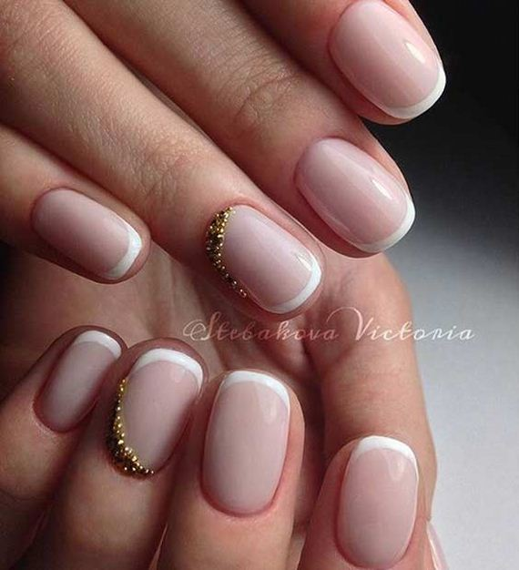 18-French-Tip-Nails