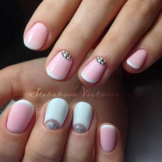 22-French-Tip-Nails