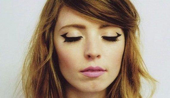 01-Unique-Eyeliner-Styles-Every-Occasion