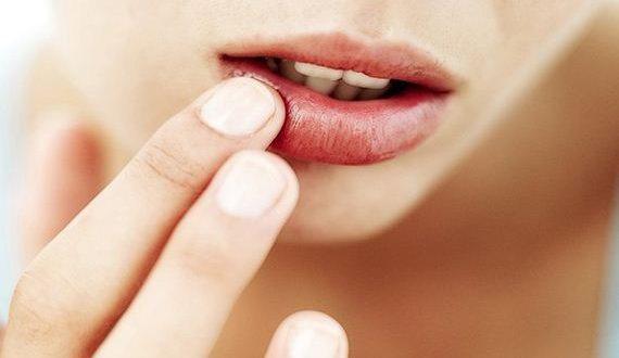 01-lip-scrub-feature