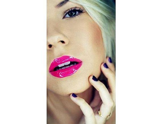 03-Lipstick-Makeup
