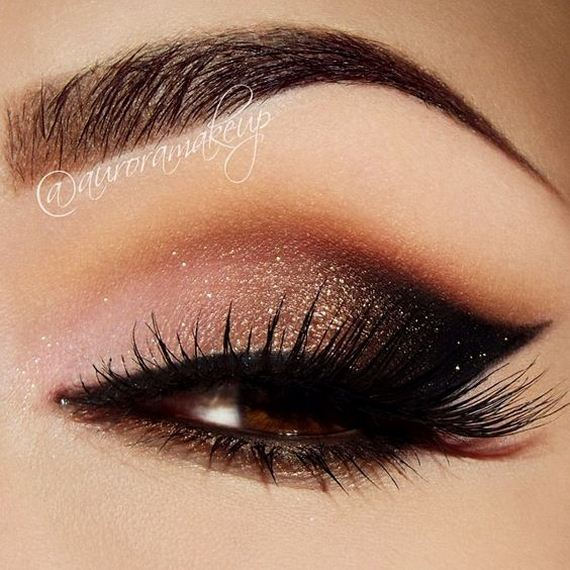 03-Unique-Eyeliner-Styles-Every-Occasion