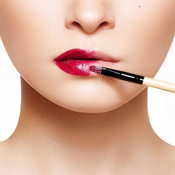 09-Lipstick-Makeup