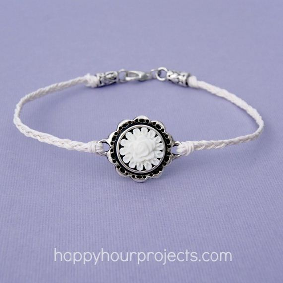 08-Adorable-DIY-Anklets