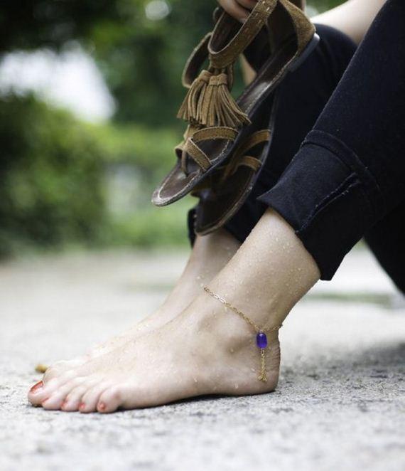 11-Adorable-DIY-Anklets