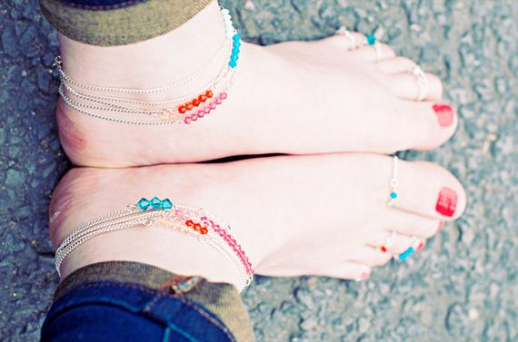 14-Adorable-DIY-Anklets