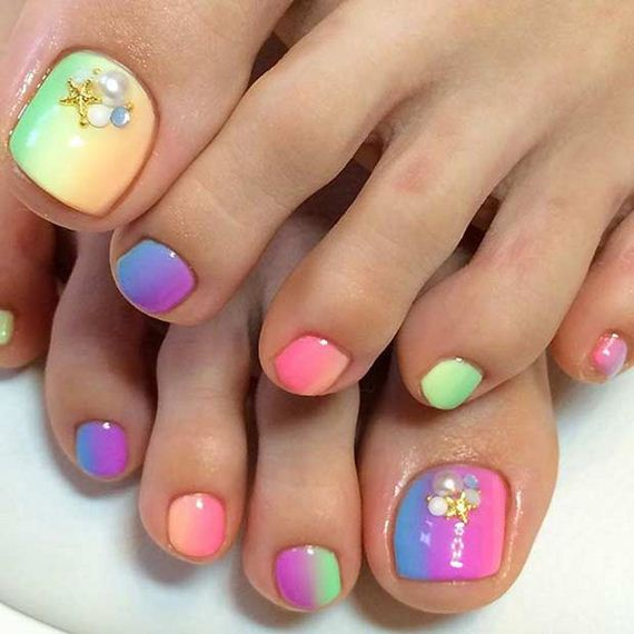 04-Toe-Nail-Designs-That-Scream-Summer