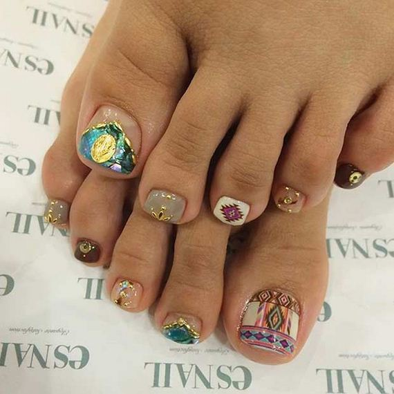 05-Toe-Nail-Designs-That-Scream-Summer