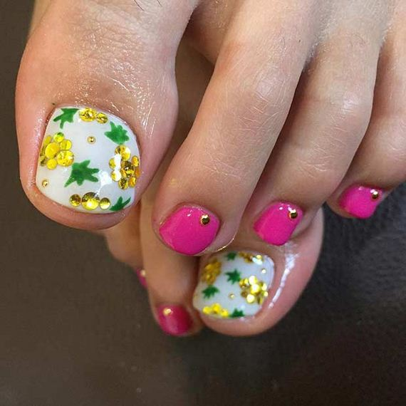 10-Toe-Nail-Designs-That-Scream-Summer
