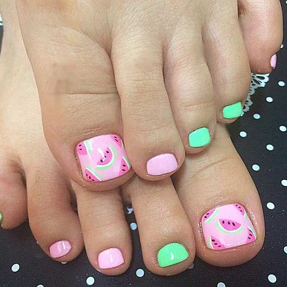 11-Toe-Nail-Designs-That-Scream-Summer