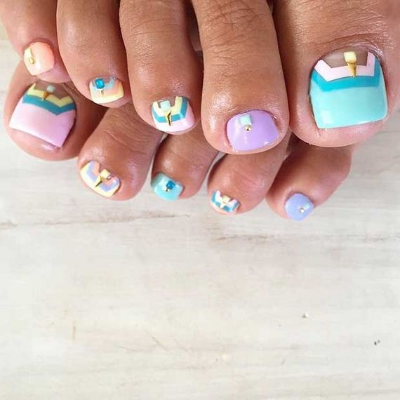 13-Toe-Nail-Designs-That-Scream-Summer