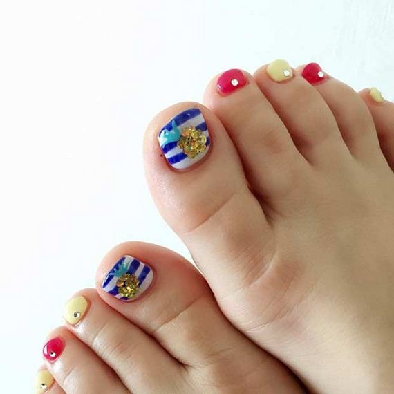 15-Toe-Nail-Designs-That-Scream-Summer