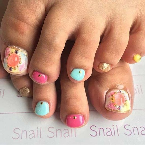 16-Toe-Nail-Designs-That-Scream-Summer