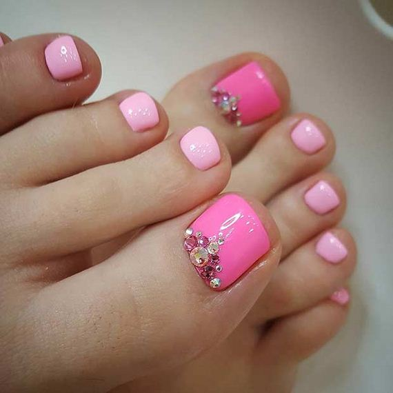 18-Toe-Nail-Designs-That-Scream-Summer