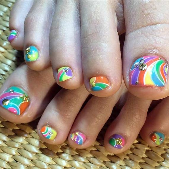 21-Toe-Nail-Designs-That-Scream-Summer