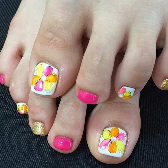 22-Toe-Nail-Designs-That-Scream-Summer