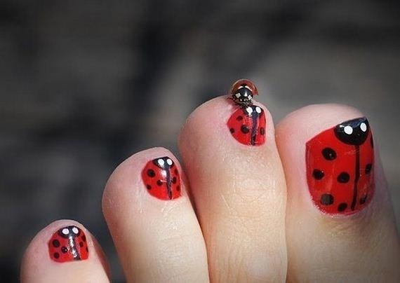 22-mermaid-toe-nail-designs