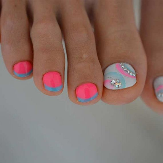 23-Toe-Nail-Designs-That-Scream-Summer