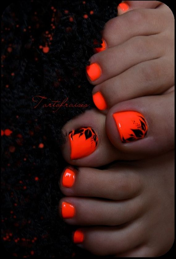 23-mermaid-toe-nail-designs