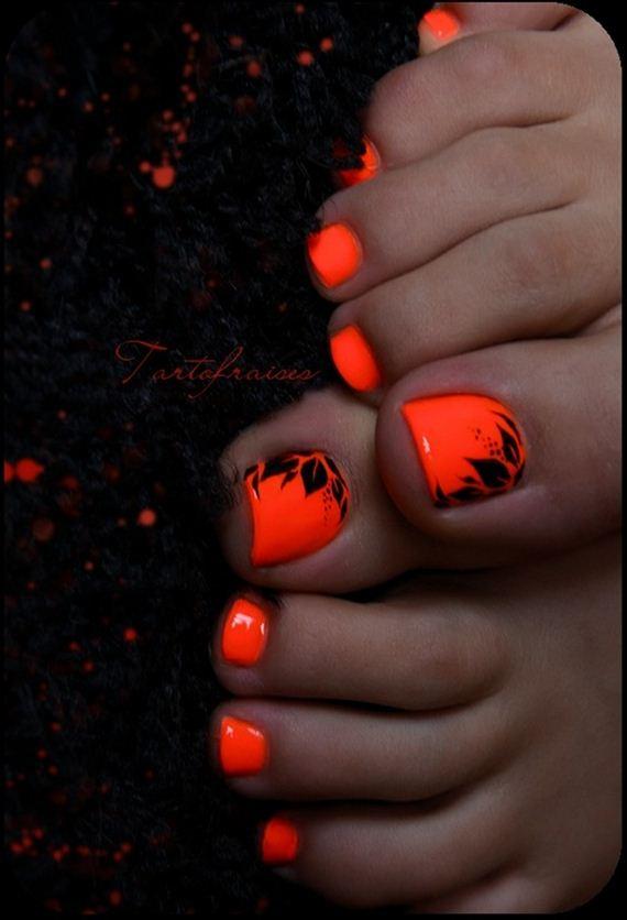23-mermaid-toe-nail-designs