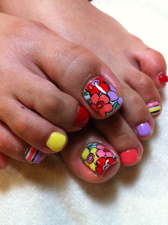 24-mermaid-toe-nail-designs