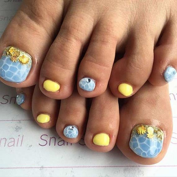 25-Toe-Nail-Designs-That-Scream-Summer