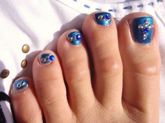 31-mermaid-toe-nail-designs