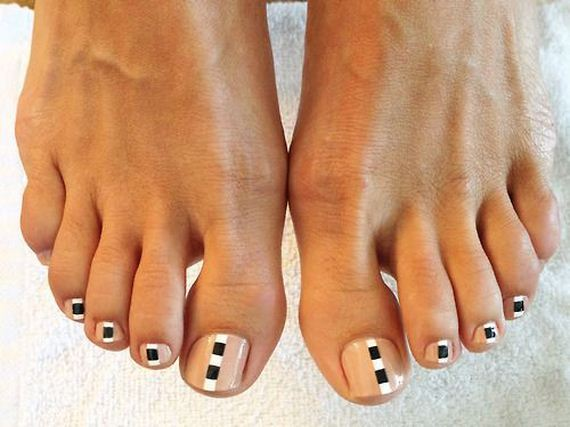 37-mermaid-toe-nail-designs