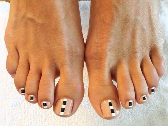 37-mermaid-toe-nail-designs