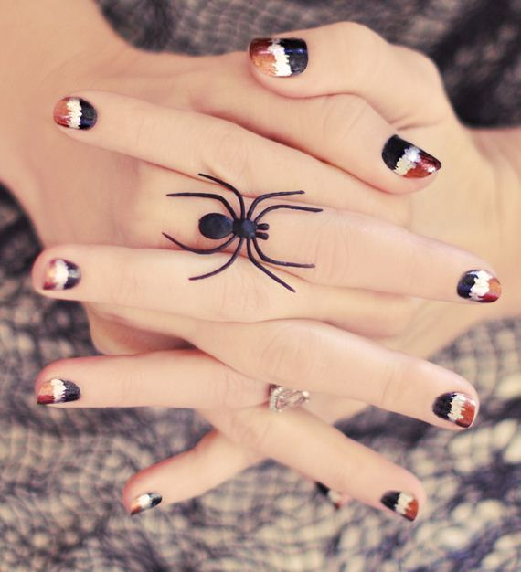 01-halloween-nail-manicures