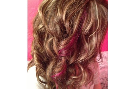 01-pink-streaks-in-brown-hair