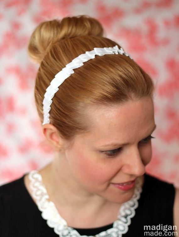 02-extra-pretty-diy-hair-accessories