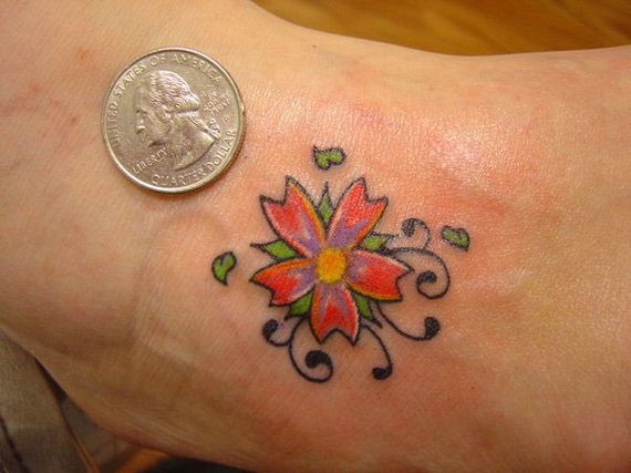 02-sensible-small-flower-tattoos