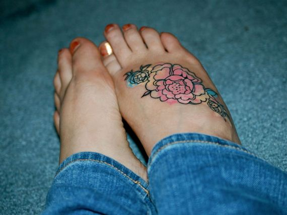04-sensible-small-flower-tattoos