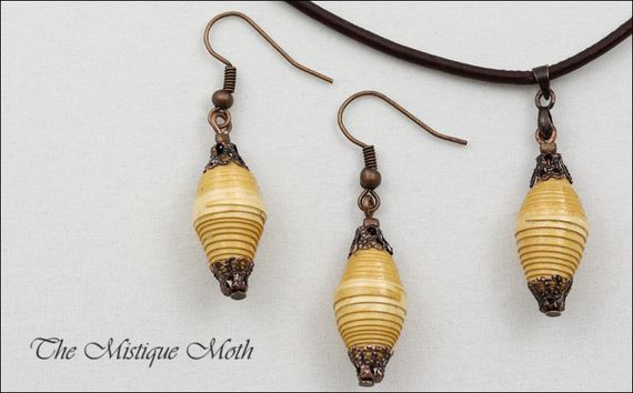06-Pretty-Paper-Bead-Jewelry-Designs