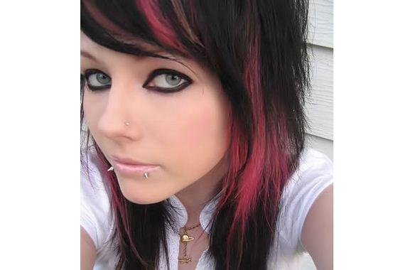 08-pink-streaks-in-brown-hair