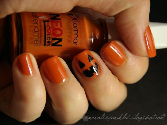13-halloween-nail-manicures