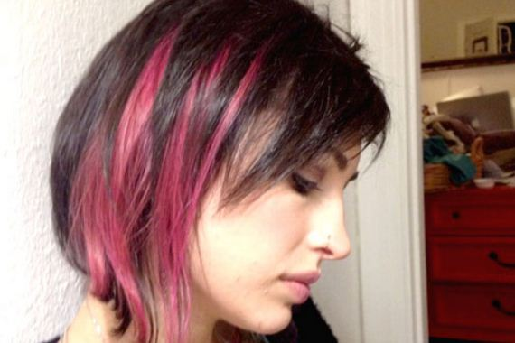 16-pink-streaks-in-brown-hair