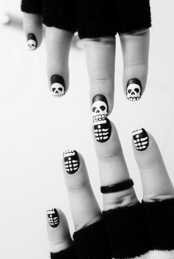 17-halloween-nail-manicures