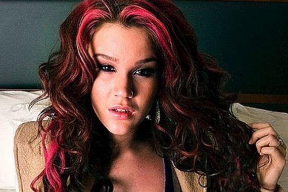 18-pink-streaks-in-brown-hair