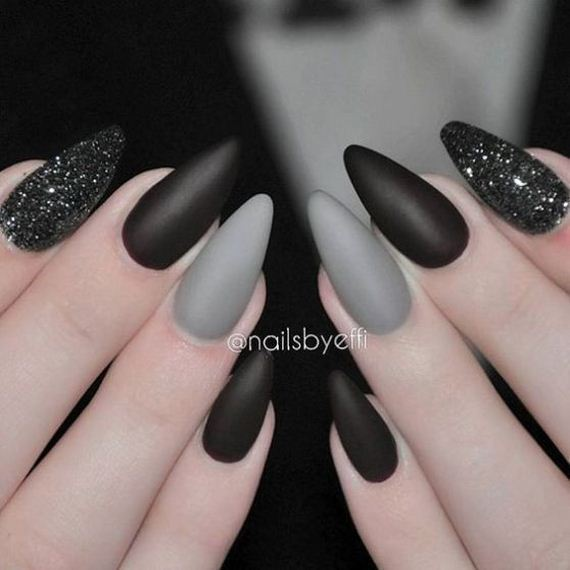 19-halloween-nail-manicures
