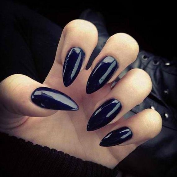21-halloween-nail-manicures